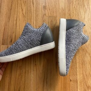 Grey knit/stretchy Steve Madden sneaker wedge